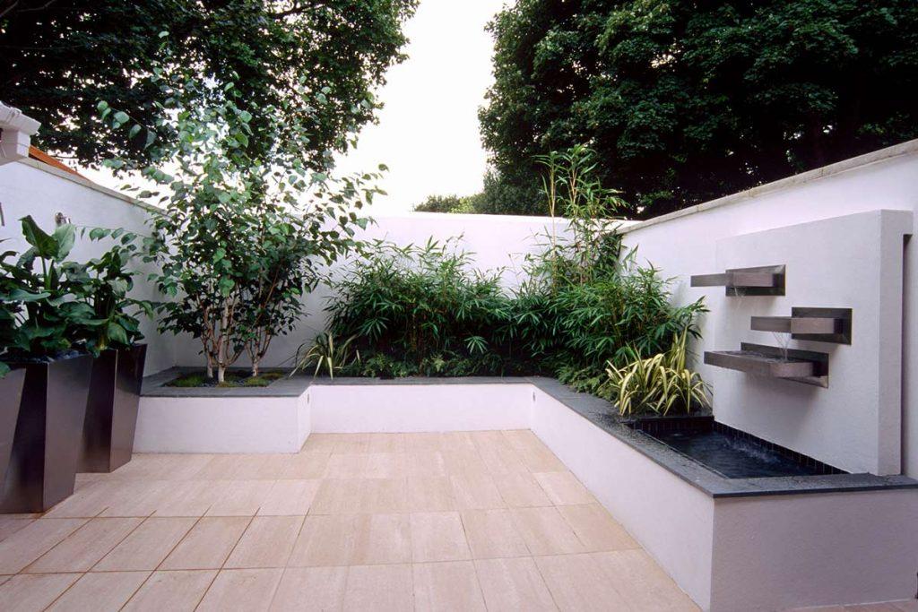 medium courtyard garden