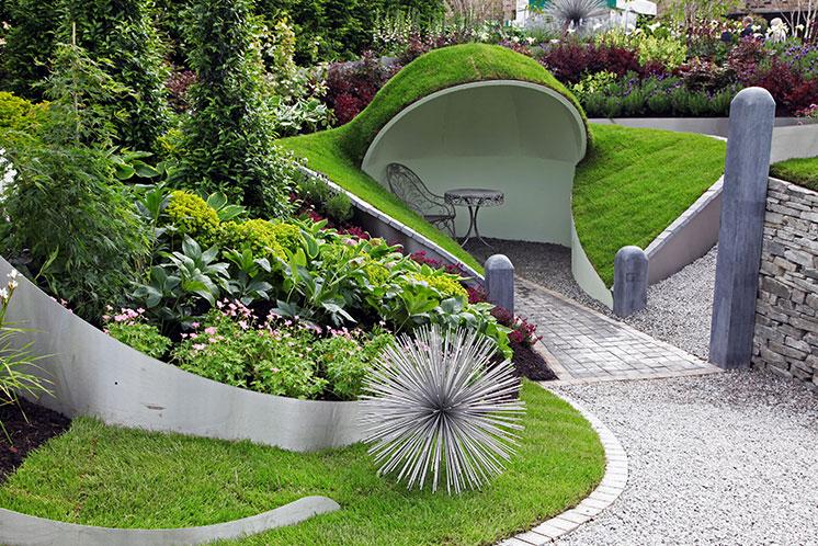 Diarmind Gavin garden