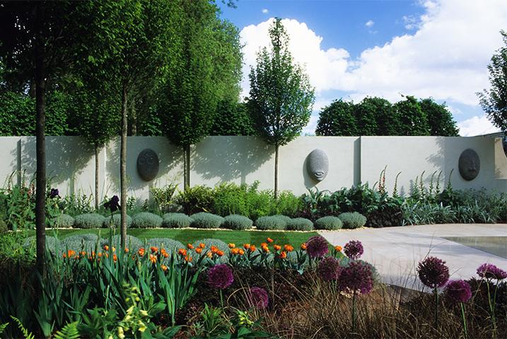 Modern walled garden