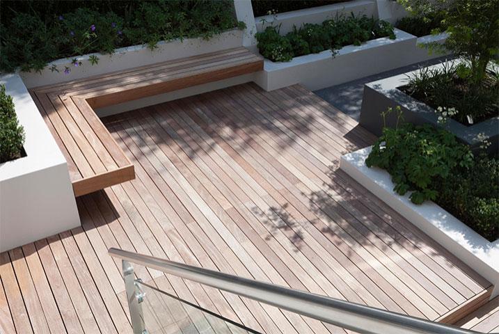 decking for medium gardens