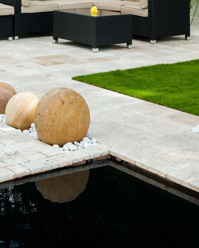 modern relaxing gardens