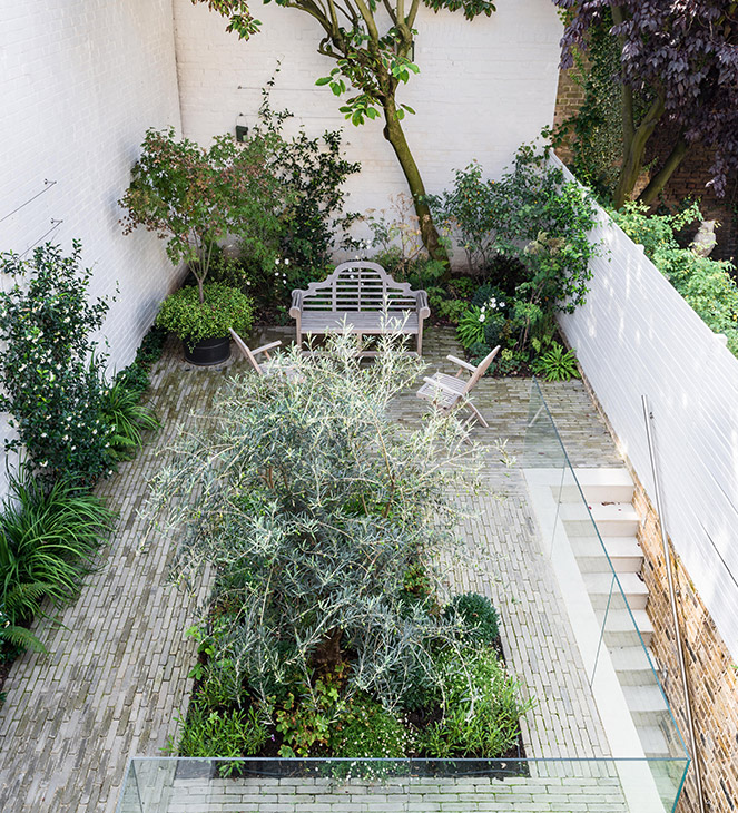Small Garden Designs: Courtyard Garden Design